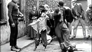getlinkyoutube.com-The Kid,Charlie Chaplin fight scene one of the funniest scenes in kid