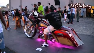 "getlinkyoutube.com-Custom Bagger Motorcycle w/ 32"" Wheel - 1080p HD"