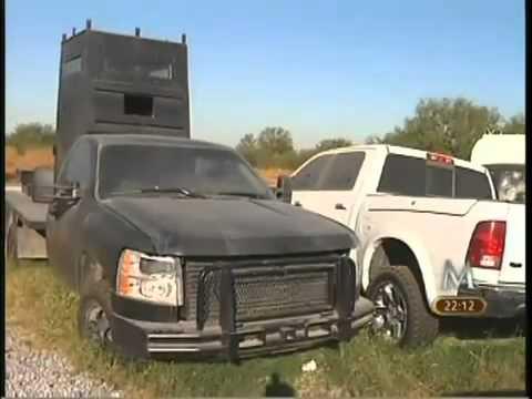 Presentan autos blindados decomisados a Narcos