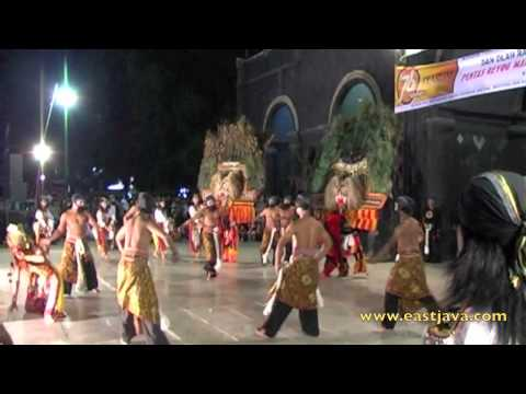 The Traditional Reog Dance - Ponorogo