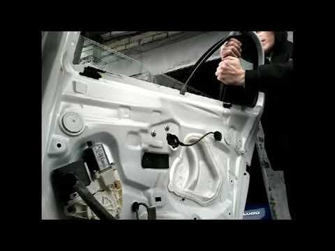 Как снять извлечь заменить стекла задней двери RENAULT MEGANE(10-)demontaz zamiana szyby drzwi tyl!