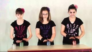 getlinkyoutube.com-Eline K, Amber W en Mahera M - The Cup Game