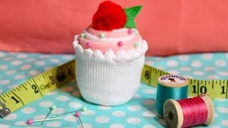 getlinkyoutube.com-How To Make a Cupcake Pincushion