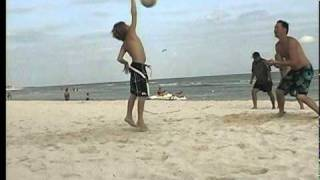 getlinkyoutube.com-10 Year old playing Volleyball - Pepper