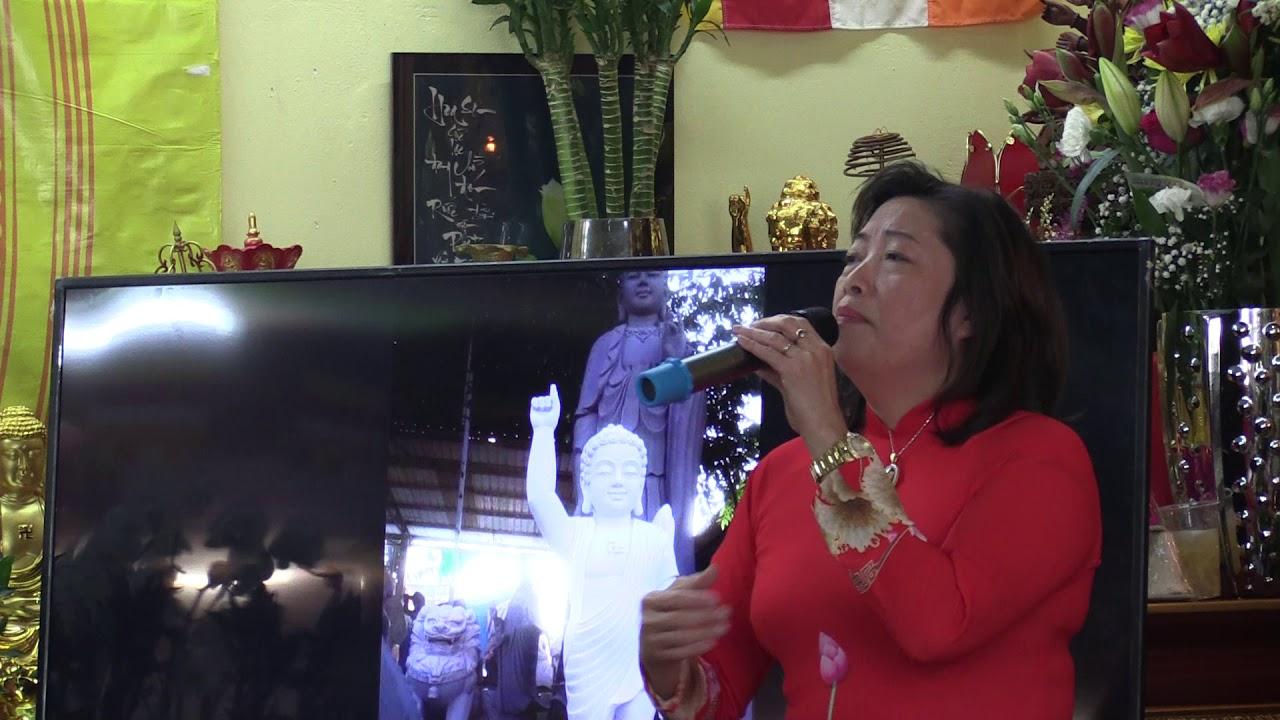 CA SĨ HOÀNG LAN TẠI ´LỄ ÔNG HOÀNG 10´ PHỦ ĐỒNG TÂM