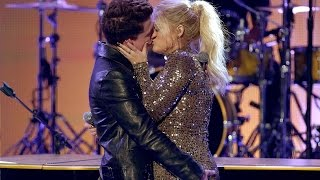 getlinkyoutube.com-Meghan Trainor & Charlie Puth KISS during 'Marvin Gaye' Performance at 2015 AMAs