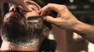 getlinkyoutube.com-Barba com navalha | Men's Market