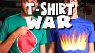 getlinkyoutube.com-T-SHIRT WAR!! (stop-motion) - Rhett & Link