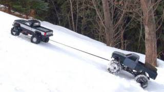 getlinkyoutube.com-RC ADVENTURES - TUG & TOW - Scale 4x4 RC Trucks - Group Trail Crawl - PT 2