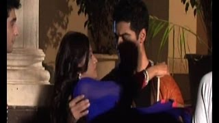 getlinkyoutube.com-Beintehaa: Zain catches Aaliya