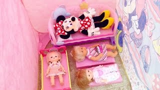 getlinkyoutube.com-ミニーマウス おうち みんなでおねんね / Baby Doll Bedtime , Minnie Mouse Play Tent