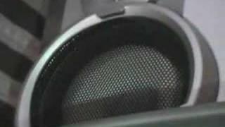 Sony MHC-RG111 tocando Bass I Love you