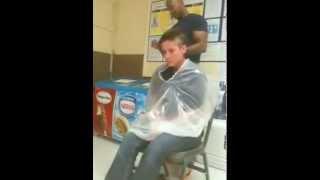 getlinkyoutube.com-Girl Shaves her Head In Walmart