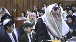 getlinkyoutube.com-The Lubavitcher Rebbe Shacharit at 770 - Rare Film - First time on web