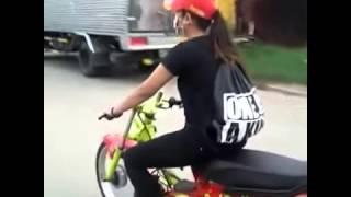 getlinkyoutube.com-Racing Girl Lê Thủy với wave phong cách drag ! việt nam