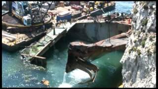 getlinkyoutube.com-Ups - Gibraltar. A ship's wreck rising.