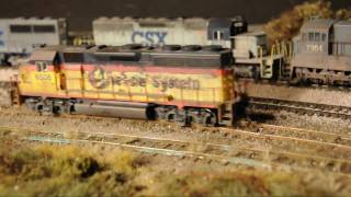 getlinkyoutube.com-HD video: Very realistic model railroad with awful track .wmv