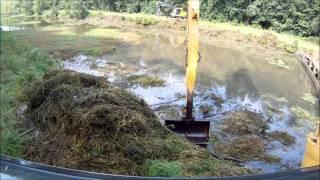 getlinkyoutube.com-Long Reach Excavator Dredging