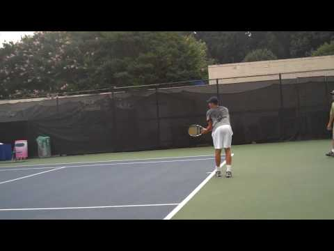 Andy Roddick Practicing Serves at Legg Mason 2009