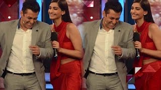 getlinkyoutube.com-Sonam Kapoor PUBLICLY Dares To Poke Fun At Salman | Bollywood Gossip