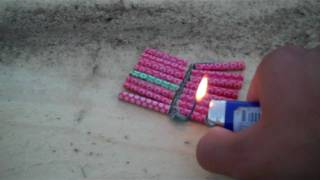 getlinkyoutube.com-Demonstration: Bermuda Triangles - Large Salute-like Firecracker