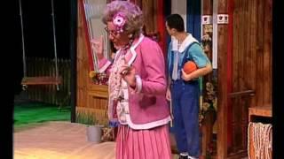 getlinkyoutube.com-בילבי המחזמר עם דנה דבורין - גרסת 2005