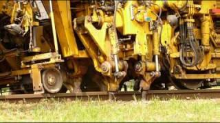 getlinkyoutube.com-Plasser & Theurer 08-275 ZW (strojní podbíječka kolejí)