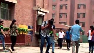 getlinkyoutube.com-Screaming in public   amity noida   pranks in india