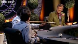 getlinkyoutube.com-Alan Davies Destroys The Set - Preview - QI - BBC One
