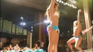 getlinkyoutube.com-Mujeres buenisimas bailando zamba en el carnaval de rio