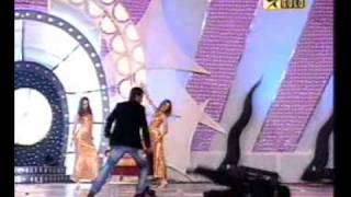 getlinkyoutube.com-Dhoni dancing with srk