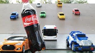 getlinkyoutube.com-Carbot Tobot Caca Cola Slide play 카봇 또봇 콜라 미끄럼틀 놀이