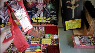 getlinkyoutube.com-Uncle Sam Assortment Unboxing from Phantom Fireworks 2015 [HD]