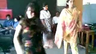 Lahore universty girl Dance in class room
