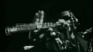 getlinkyoutube.com-Rahsaan Roland Kirk plays 3 saxes   flute at once (´66)