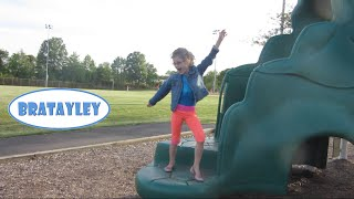 getlinkyoutube.com-Hayley's Dinosaur House Tour (WK 228.2)   Bratayley