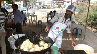 getlinkyoutube.com-FAMOUS INDIAN BREAKFAST STREET FOODS | MYSRE BAJJI | MYSORE BONDA |  STREET FOODS IN INDIA