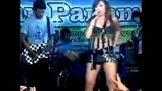 getlinkyoutube.com-Dangdut Hot Ikif Tak Tunggu Balimu