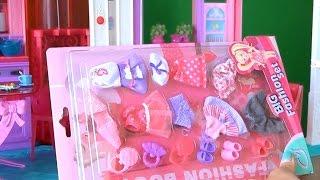 getlinkyoutube.com-Видео с куклами У Челси новые платья, огромный набор одежды для куколки