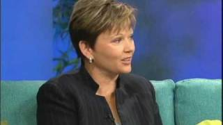getlinkyoutube.com-Finding the Rich Woman in You with Kim Kiyosaki and Kim Snider