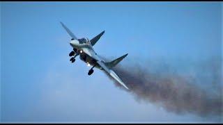 getlinkyoutube.com-F-16 & MIG-29  Start Malbork
