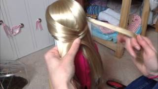 getlinkyoutube.com-How to: Fishtail Braid on an AG doll!