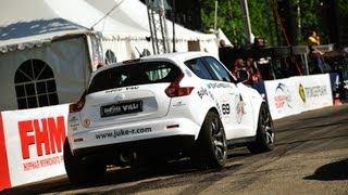 getlinkyoutube.com-Nissan Juke R beats Bugatti Veyron and Ferrari 599 GTO