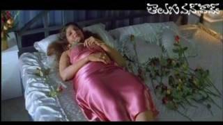 Hot romantic scenes between Chiru and Rambha
