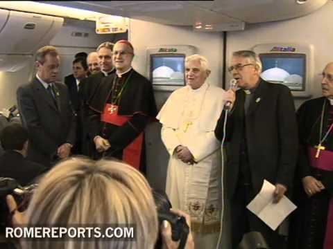 WYD Madrid 2011  Who's in the plane with the pope?