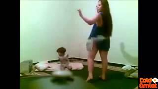 getlinkyoutube.com-ترقص امام طفلها عارية بدون ملابس داخلية  ra9s 97ab 9hab maroc l