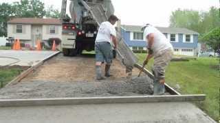 getlinkyoutube.com-How to Pour a Concrete Driveway