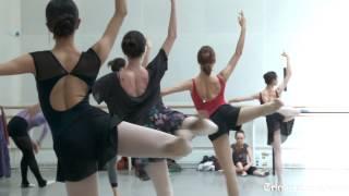 ボリショイ バレエのレッスン風景の画像