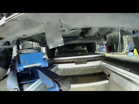 Нюансы и как подобраться к болту подушки переднего редуктора Pajero io. ЧАСТЬ 1.