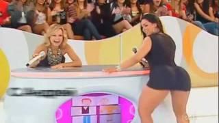 getlinkyoutube.com-Зажигательный танец аппетитной бразильяночки !